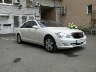 Mercedes S-500 Белый